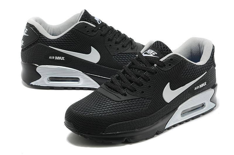 Nike Air Max 90 ESSENTIAL 'All Black' – AutomneHiver 2015 |